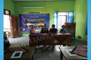 Pelatihan dan Uji Coba Mesin Rice Transplanter di Blitar 21 Juli 2016