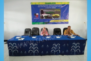 Pelatihan dan Uji Coba Mesin Rice Transplanter di  Jember 16 Agustus 2016