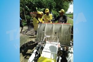 Pelatihan dan Uji Coba Mesin Rice Transplanter di Jombang 14 Mei 2016
