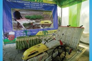 Pelatihan dan Uji Coba Mesin Rice Transplanter di Jombang, Nganjuk, Mojokerto 6 Juni 2016