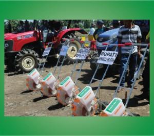 TANIKAYA-Alat-Tanam-Jagung-Untuk-Peningkatan-Produksi-Jagung-Bengkulu-Selatan